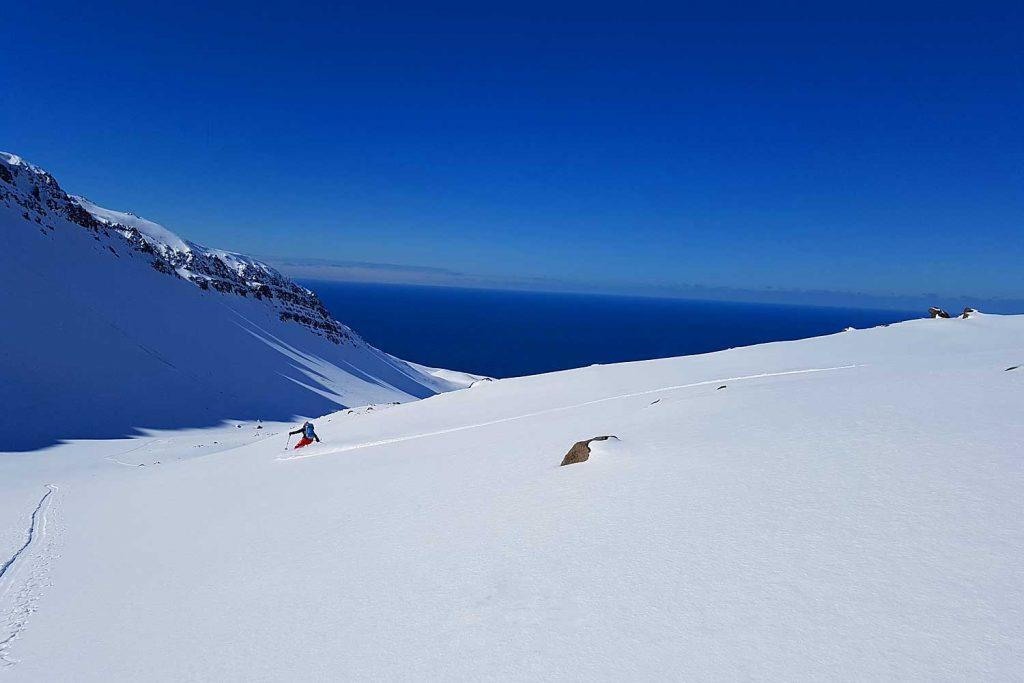 Skitouren-in-Island----Skitour