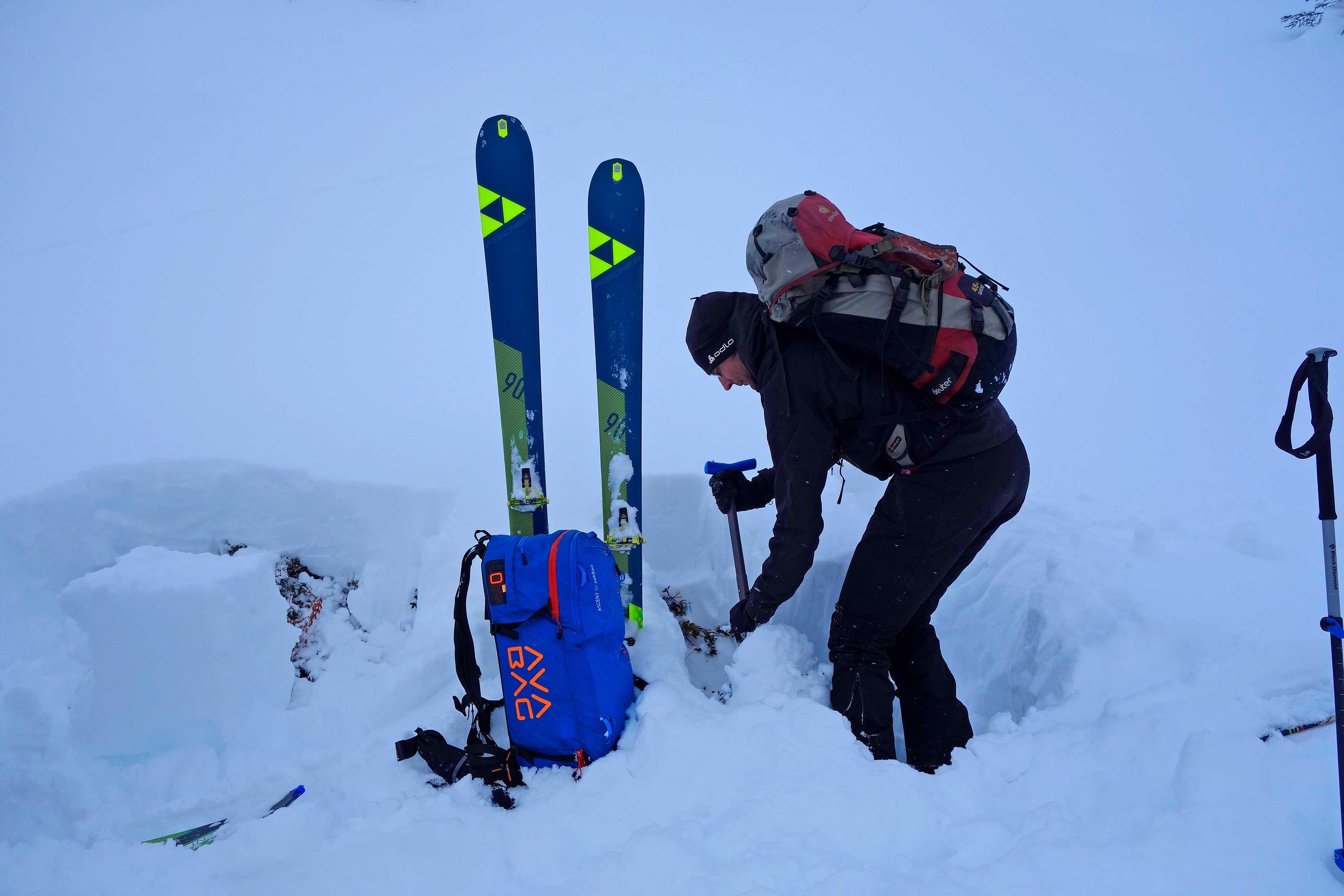 Bergführerausbildung---Lawinenkunde-und-Kleiner-Blocktest