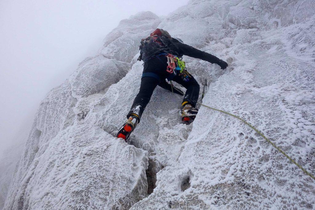 Bergführerausbildung---Mixed-Gelände-im-Vorstieg