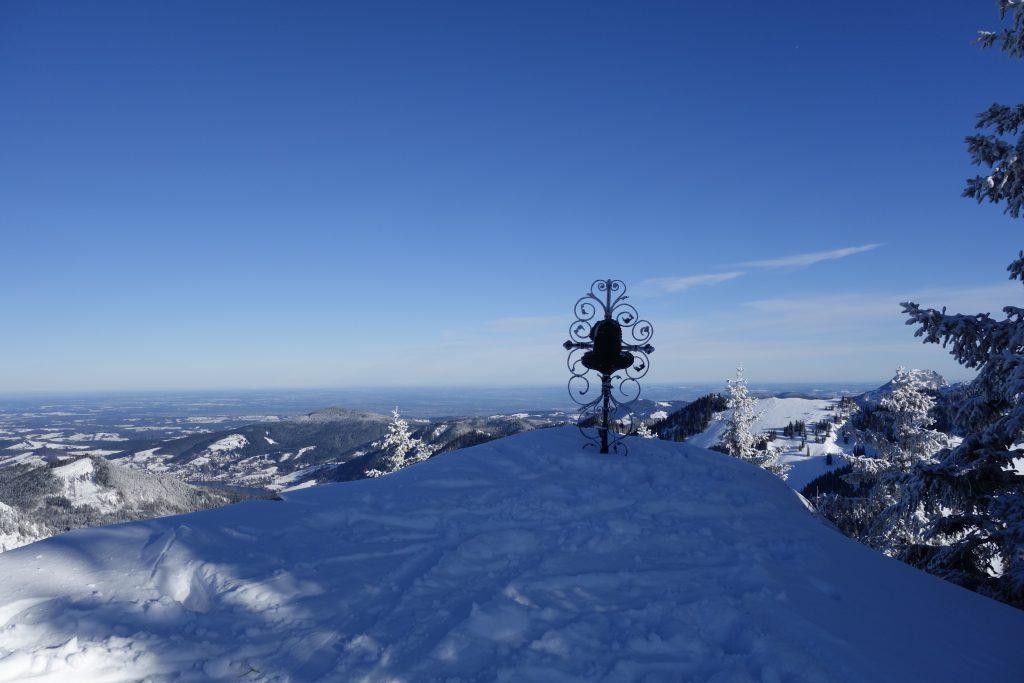 Freeridesafari Bayerische Alpen - Vom Tegernsee zum Inn Gipfelkreuz
