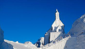 Freeridesafari---Wendelsteinkirche--im-Winter