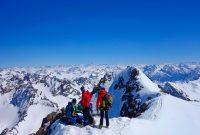 Silvretta-Durchquerung---Skitour-am-Gipfel-des-Großen-Piz-Buin