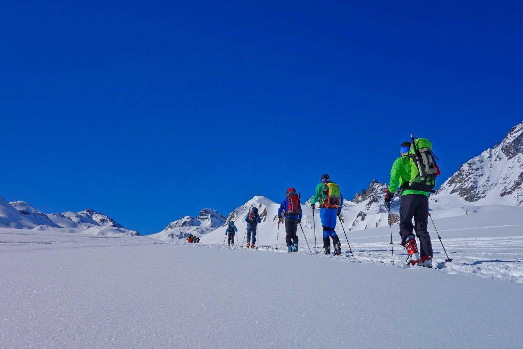 Silvretta-Durchquerung---Skitour-im-Fimbertal-zum-Kronenjoch