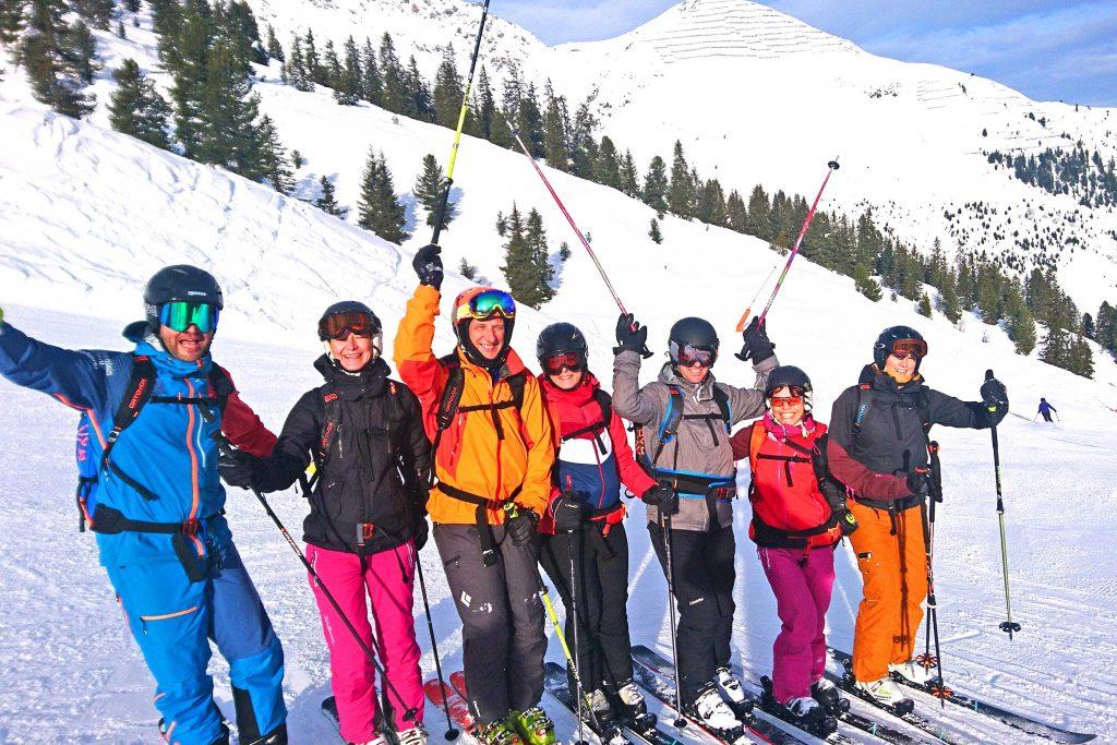Snow-Emotion-Skischule---Mit-Spaß-beim-Skifahren