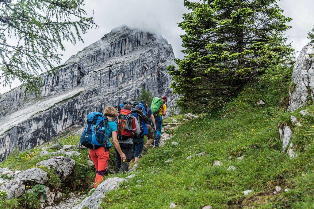 Wanderung----Watzmann-König-der-Berchtesgadener-Blick-zur-Watzmannfrau