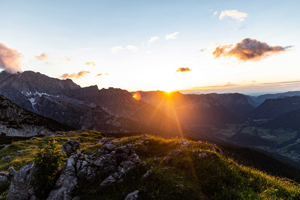 Wanderung----Watzmann-König-der-Berchtesgadener-Sonnenaufgang-am-Watzmannhaus